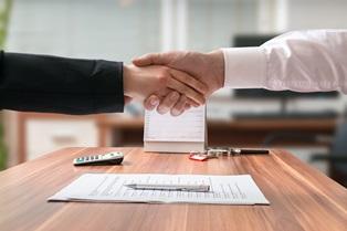 ¿Cuánto cuesta contratar un abogado para un accidente?